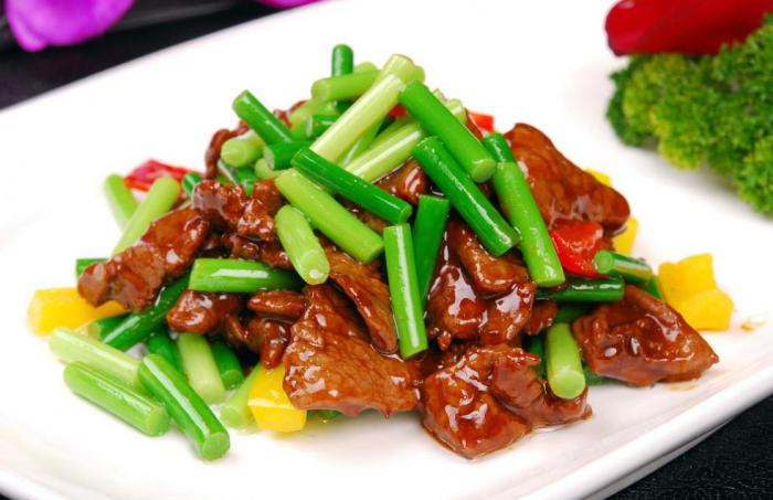 Stir Fried Garlic Sprout with Beef